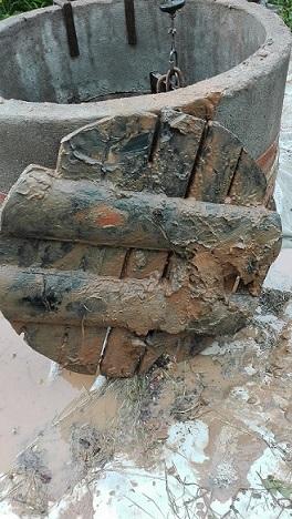 Чистка колодца на плывуне Щит из лиственицы